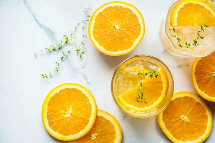 encourager un senior à boire plus